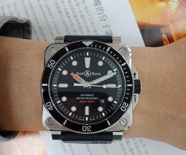 台中流當品拍賣 流當手錶 原裝 BELL&ROSS BR 03-92 潛水 自動男錶 9成5新 盒單齊全 喜歡價可議 KR008