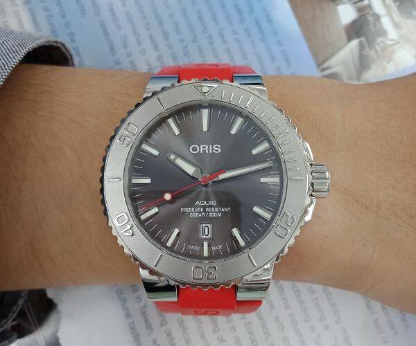 台中流當品拍賣會 流當手錶 原裝 ORIS 豪利時 AQUIS 潛水 自動 男錶 9成5新 盒單齊全 喜歡價可議 KR009