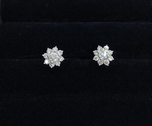 台中當舖流當精品 流當鑽石 豪華 35分 G色 K金 鑽石耳環 壹對 喜歡價可議 KS014