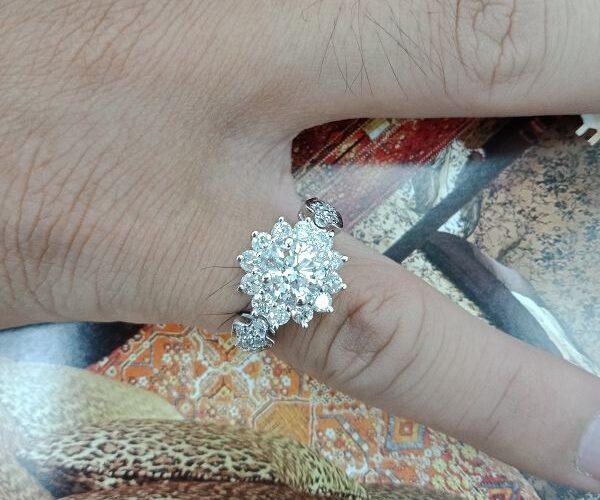 台中流當品拍賣 流當鑽石 豪華 1克拉 G色 K金 女鑽戒 特價出清 KS015